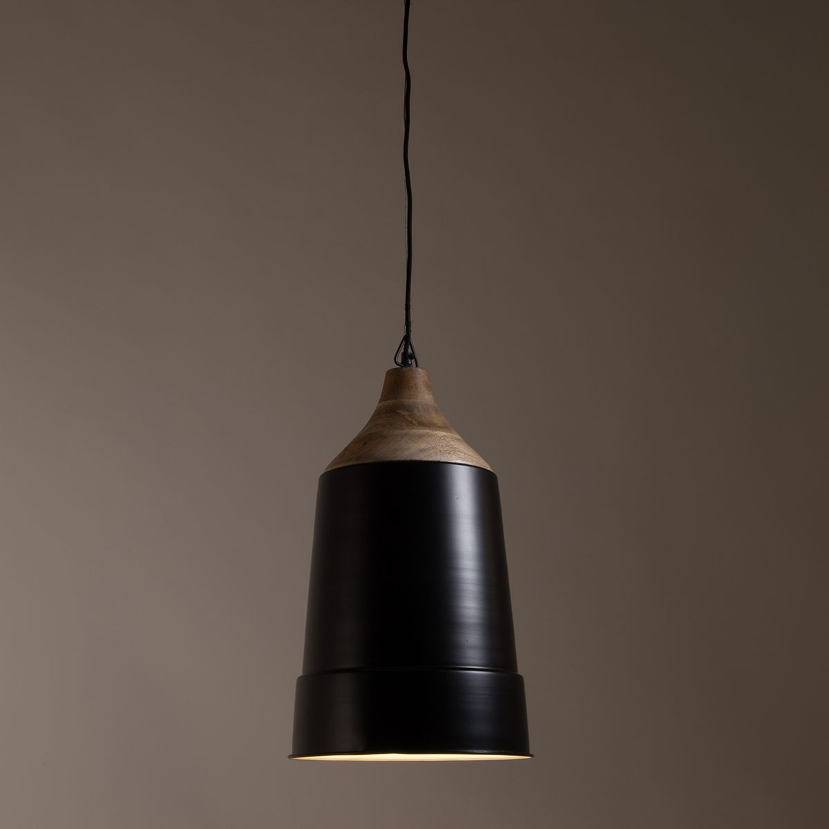 Suspension cloche XL en métal et manguier Wood Dutchbone - noir
