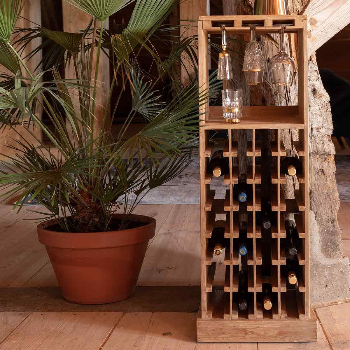 Porte-bouteilles / mini-bar en bois de sapin 28 compartiments Claude Dutchbone - naturel
