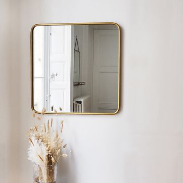 Miroir carré angles arrondis en métal couleur laiton Uptown decoclico Factory