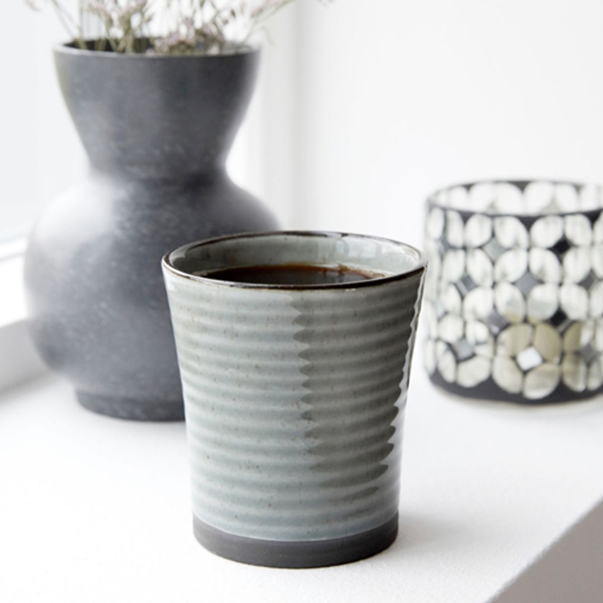 Mug en céramique gris House Doctor