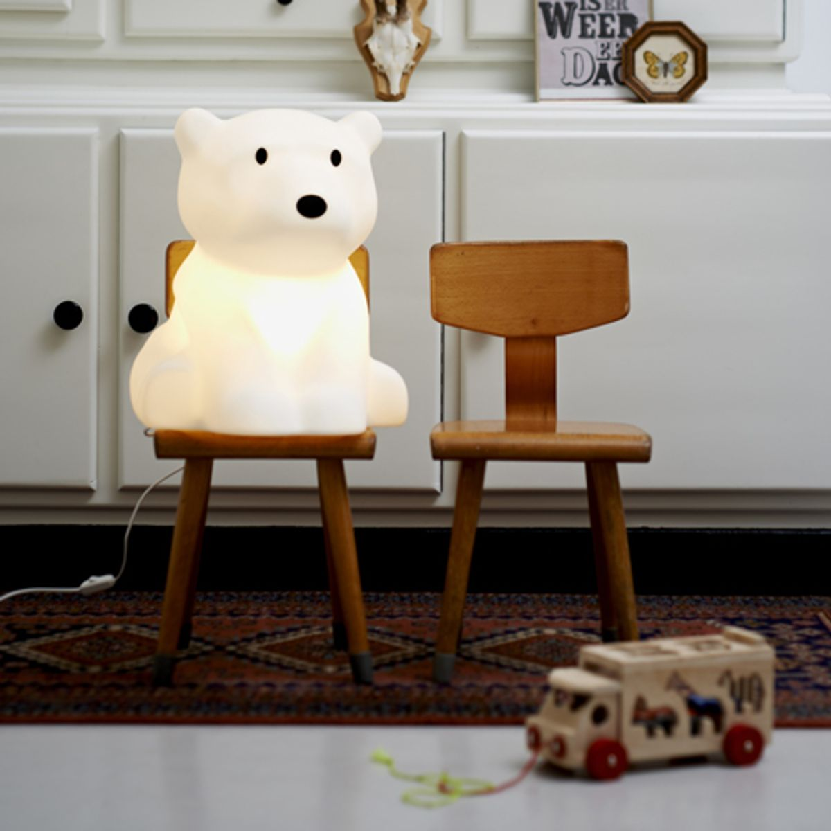 lampe poser en polypropyl ne ours nanuk mr maria decoclico. Black Bedroom Furniture Sets. Home Design Ideas