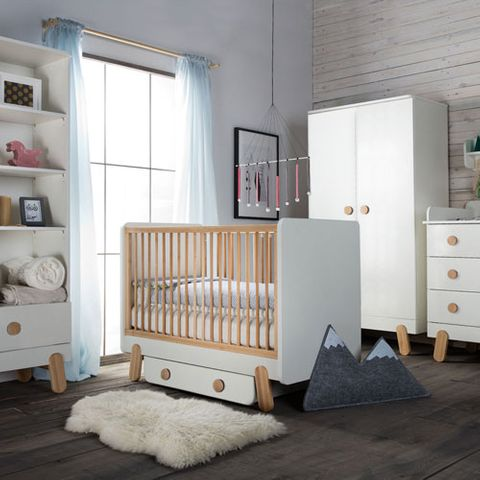 lit enfant 90x200 cm en bois blanc et naturel iga pinio. Black Bedroom Furniture Sets. Home Design Ideas