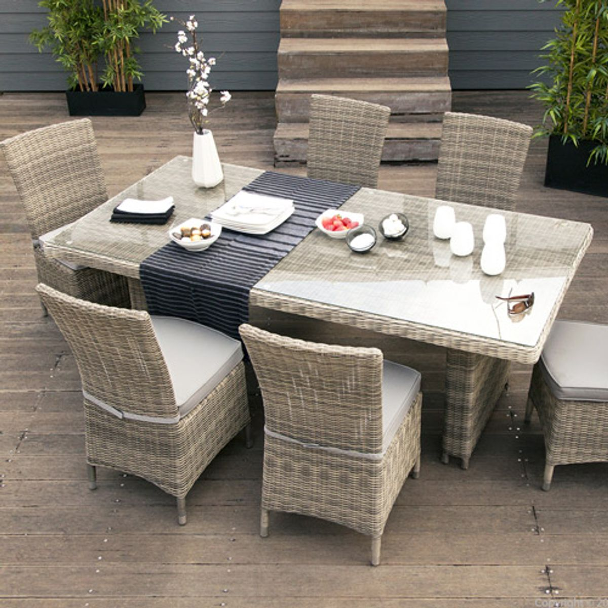 salon de jardin table et 6 chaises en r sine tr ss e. Black Bedroom Furniture Sets. Home Design Ideas